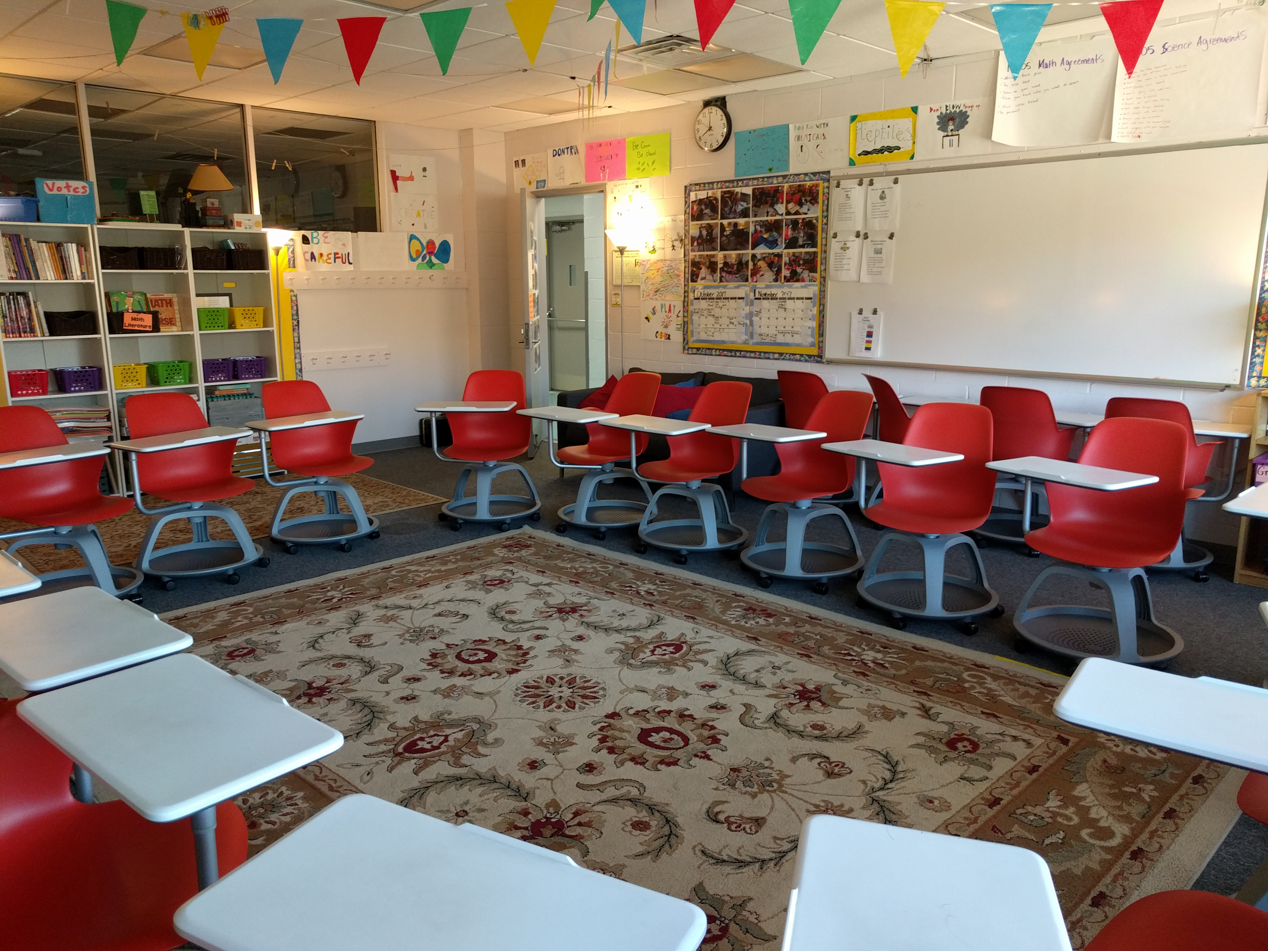 Classroom seating in a 5th grade math/science room